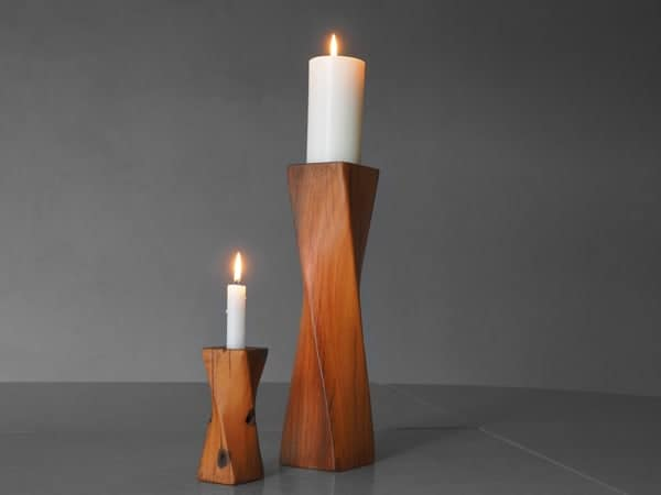 Twist candle holder